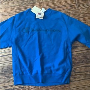 Authentic champion crew neck. Never worn. W/ tags